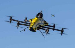 Drone acrobático transporta passageiro pelos ares; confira