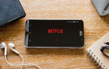 About 75% of Netflix users sleep poorly
