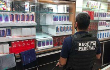Ingresos Federales incauta R $ 8 millones en teléfonos celulares de contrabando