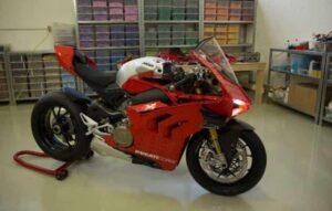 Lego apresenta moto Ducati de 15 mil peças