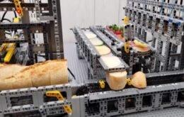 Youtubers criam mini fábrica de tapas espanholas com peças de Lego