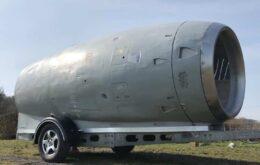 Turbina de avião é transformada em trailer