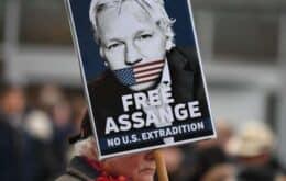 EUA aumentam acusações contra Julian Assange em audiência de extradição