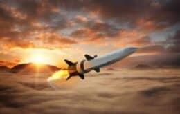 Estados Unidos se aproximam de testes de voo para armas hipersônicas