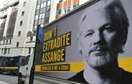 Assange tenta evitar extradição na retomada de julgamento em Londres
