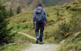 Mochila motorizada reduz gasto de energia ao andar