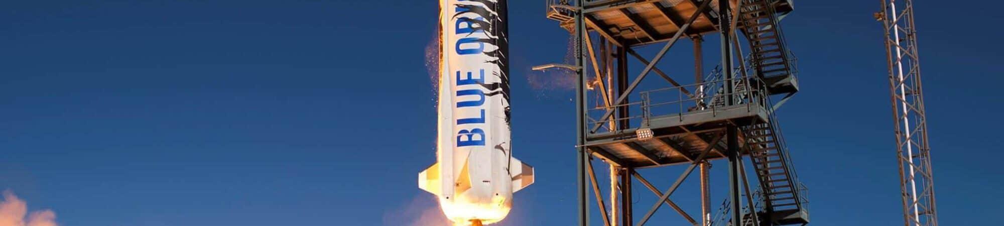 Decolagem de um foguete New Shepard da base da Blue Origin no oeste do Texas