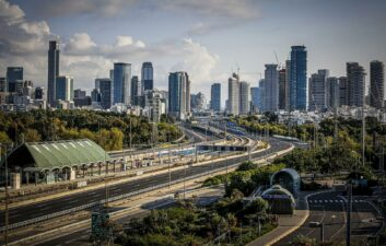 Tel Aviv tests design of roads that recharge electric vehicles