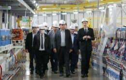 Bolsonaro inaugura linha de luz síncrotron no acelerador Sirius