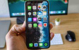 Tela de iPhone passa por teste de resistência