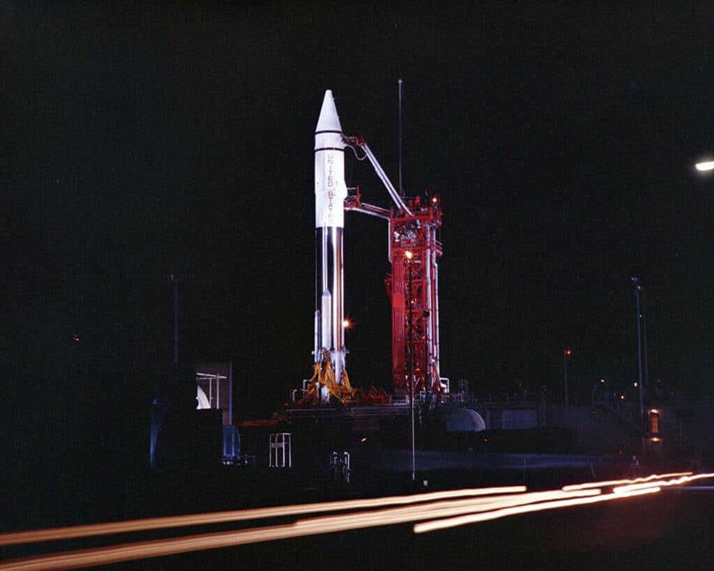 O primeiro estágio de um foguete Centaur 7 foi identificado como sendo o objeto misterioso 2020 SO