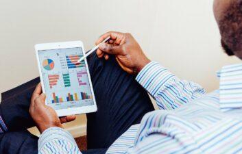 ¿Por qué la información es el mejor asesor en los negocios?