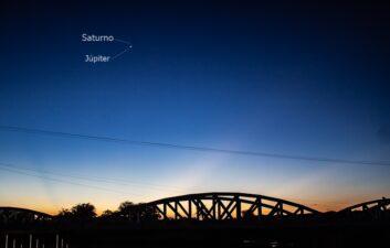 Mira videos que muestran la conjunción de Júpiter y Saturno