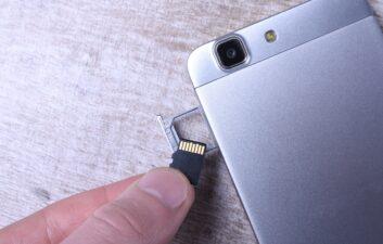 Por que cartões microSD falsos podem danificar seu celular para sempre