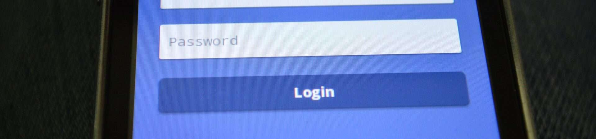 Tela de login do Facebook em um smartphone