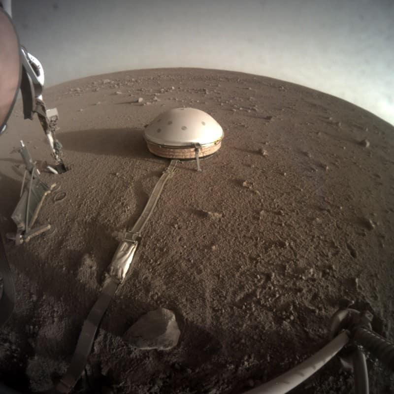 Sismômetro da sonda InSight, que estuda a geologia de Marte