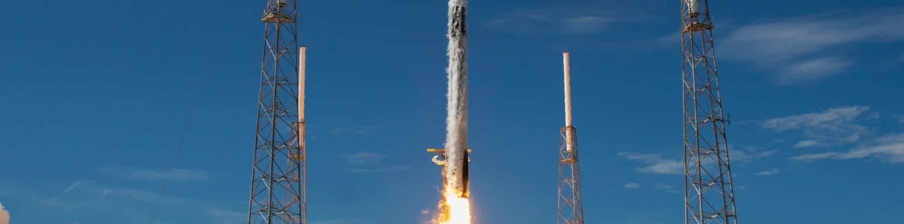 Lançamento de um foguete Falcon 9