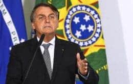 Chega de fake news: Facebook derruba live de Bolsonaro após associação entre Aids e vacina da Covid-19