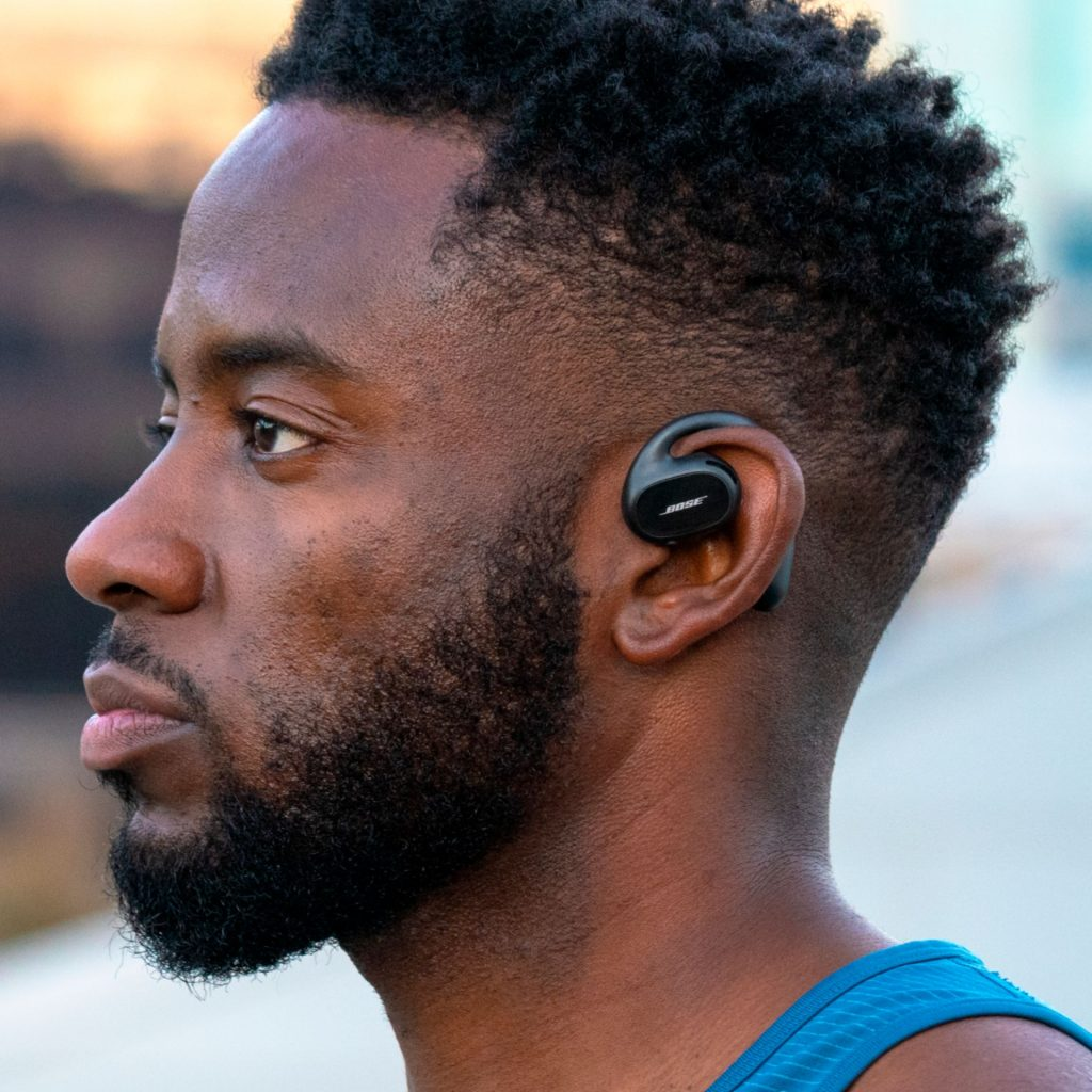 Bose headphones don't go in the ear canal
