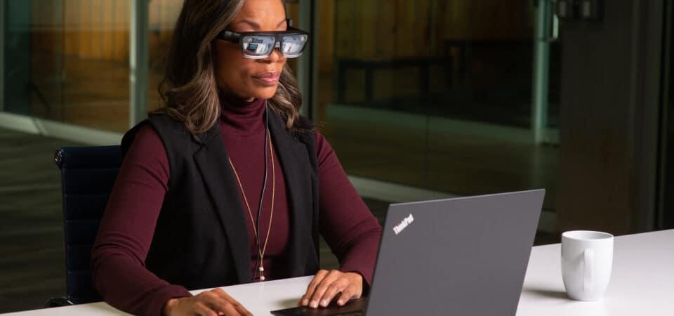 Novos óculos inteligentes da Lenovo.