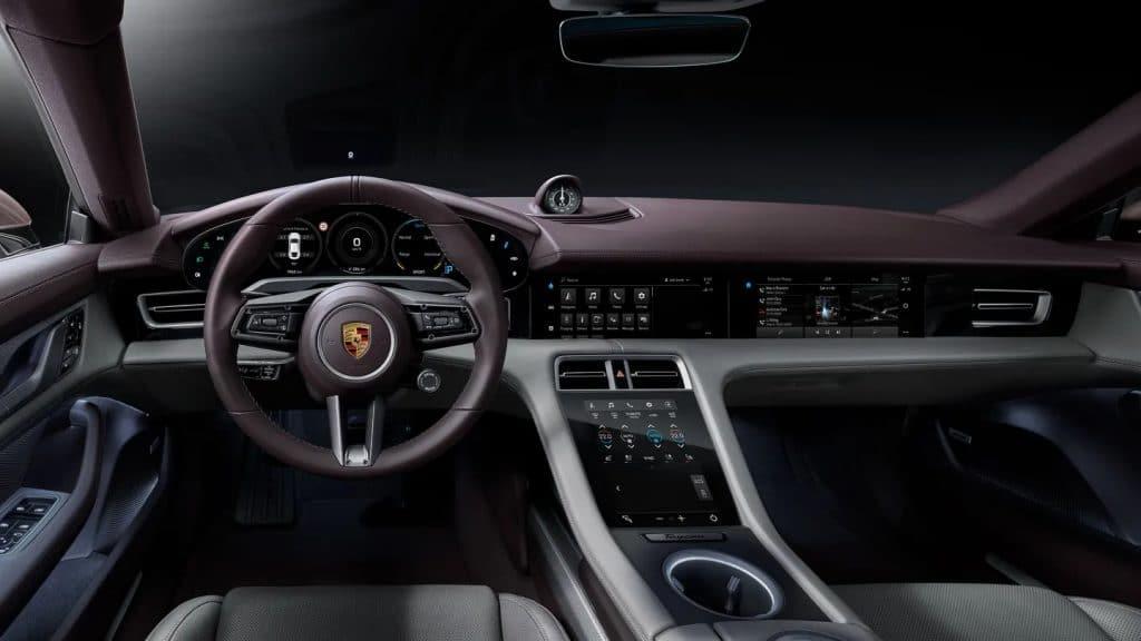 Interior do Porsche Taycan