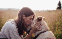 Cães são melhores amigos das mulheres e não dos homens, sugere estudo