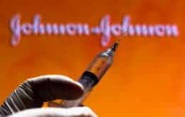 EUA pedem pausa na aplicação da vacina da Johnson & Johnson após casos de coagulação