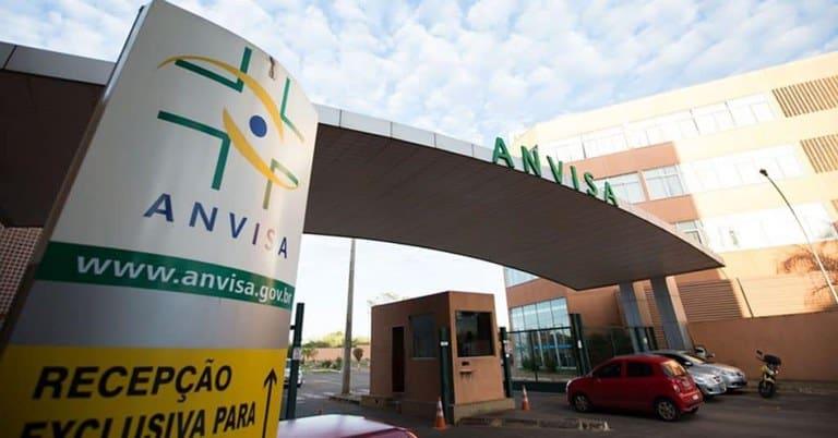 Fachada da Agência Nacional de Vigilância Sanitária (Anvisa), responsável por dar permissão de registro ou uso emergencial de vacinas
