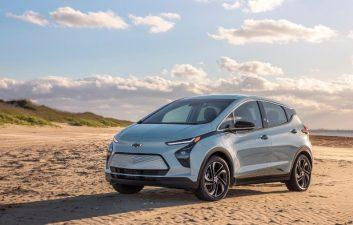 GM presenta el nuevo Chevrolet Bolt y la versión SUV del compacto eléctrico