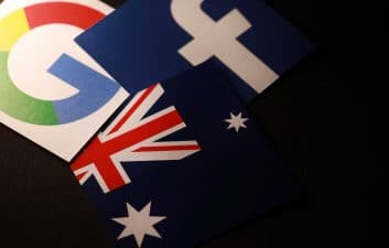 Australia aprueba una ley que exige que Facebook y Google paguen por las noticias