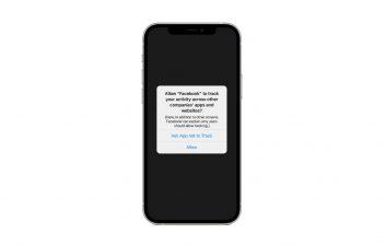 Facebook anima a los usuarios a ir en contra de la política de privacidad de Apple