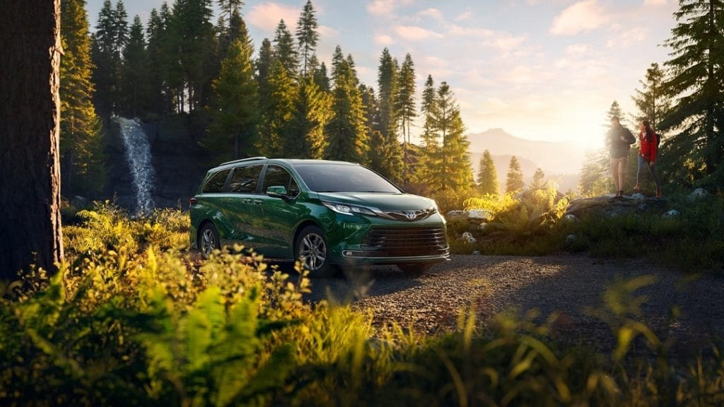 Minivan Sienna, model of toyota, is one of those that can get electric version