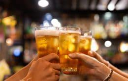 Beber pequenas doses de álcool pode evitar novos ataques cardíacos; especialista pondera estudo