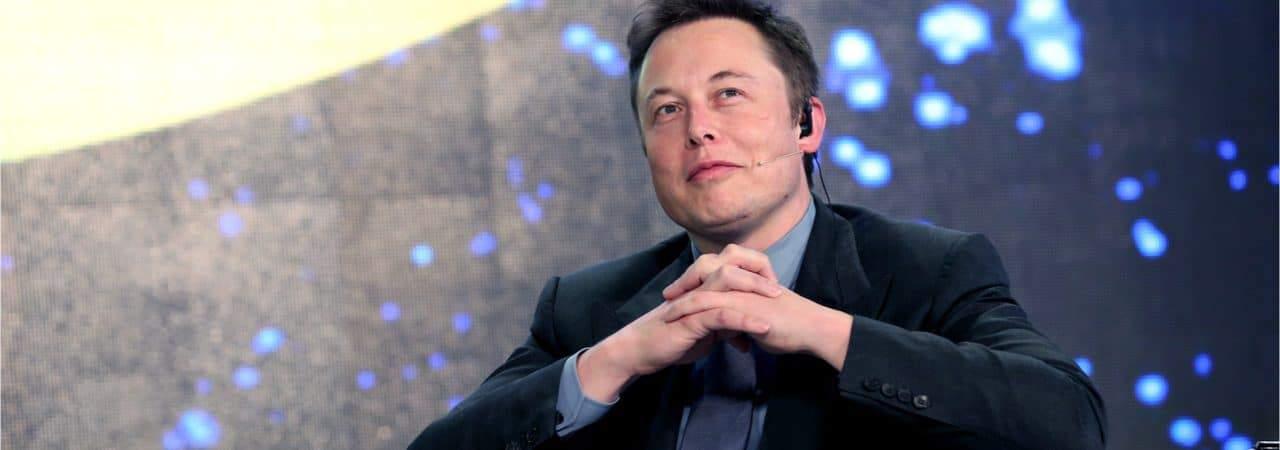 """Elon Musk, CEO e """"technoking"""" da Tesla"""