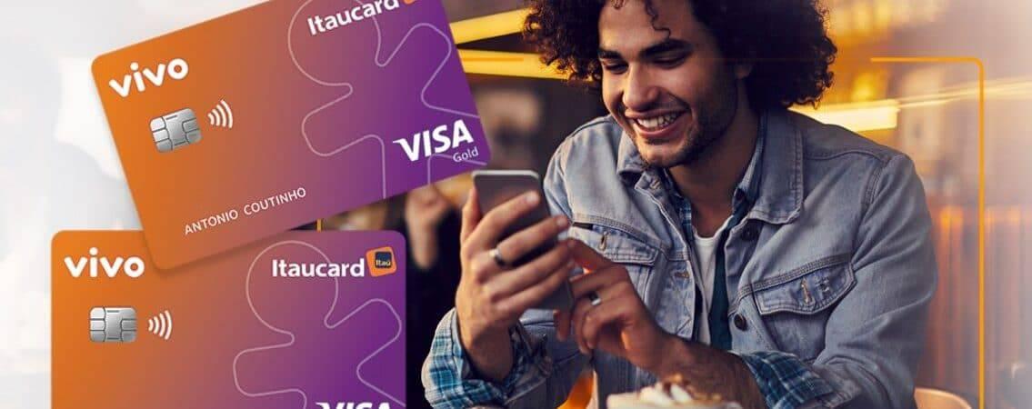 Propaganda da nova versão do cartão de crédito da Vivo e do Itaú