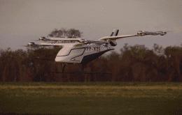 """Embraer recebe encomenda de mais 50 """"carros voadores"""""""
