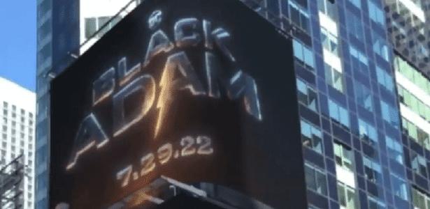 'Adão Negro': Data de estreia é anunciada com blecaute na Times Square. Imagem: Reprodução