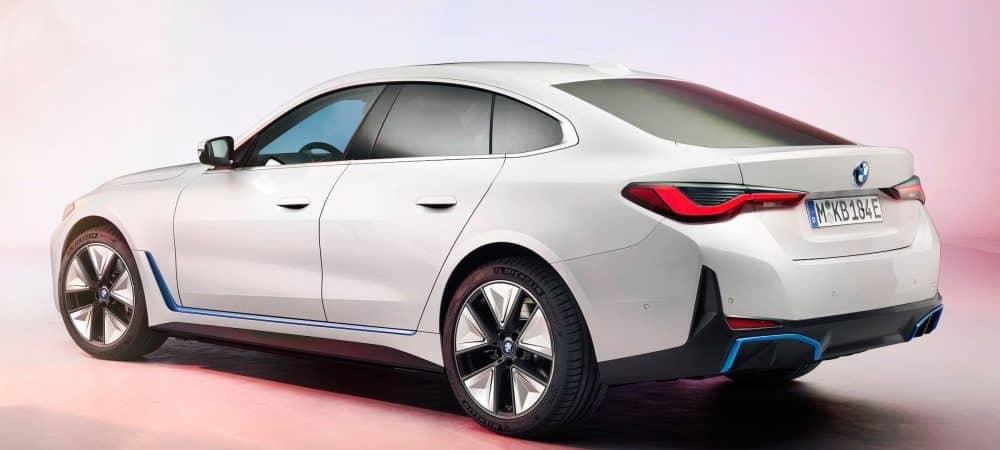 'BMW i4': carro elétrico registra 600 km de autonomia e será lançado ainda em 2021. Imagem: BMW/Divulgação
