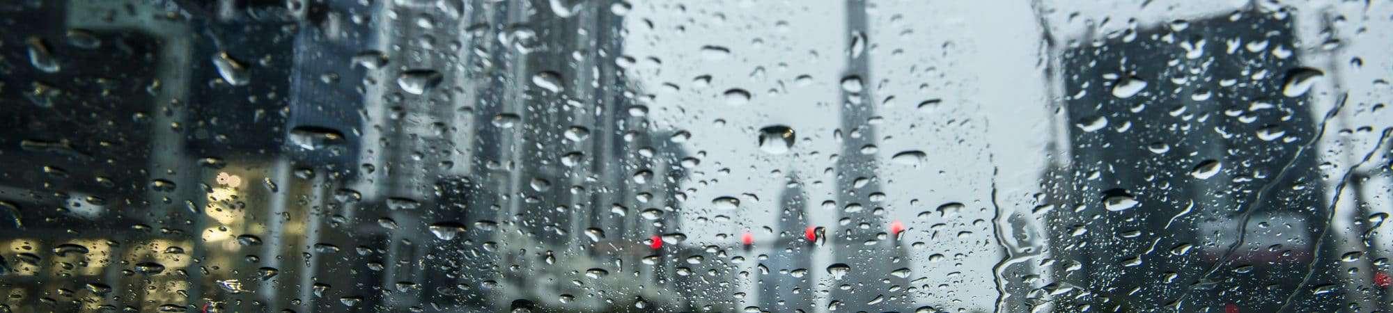 Lluvia en Dubai, Emiratos Árabes Unidos. Imagen: Naufal MQ / Reproducción / Shuttershock