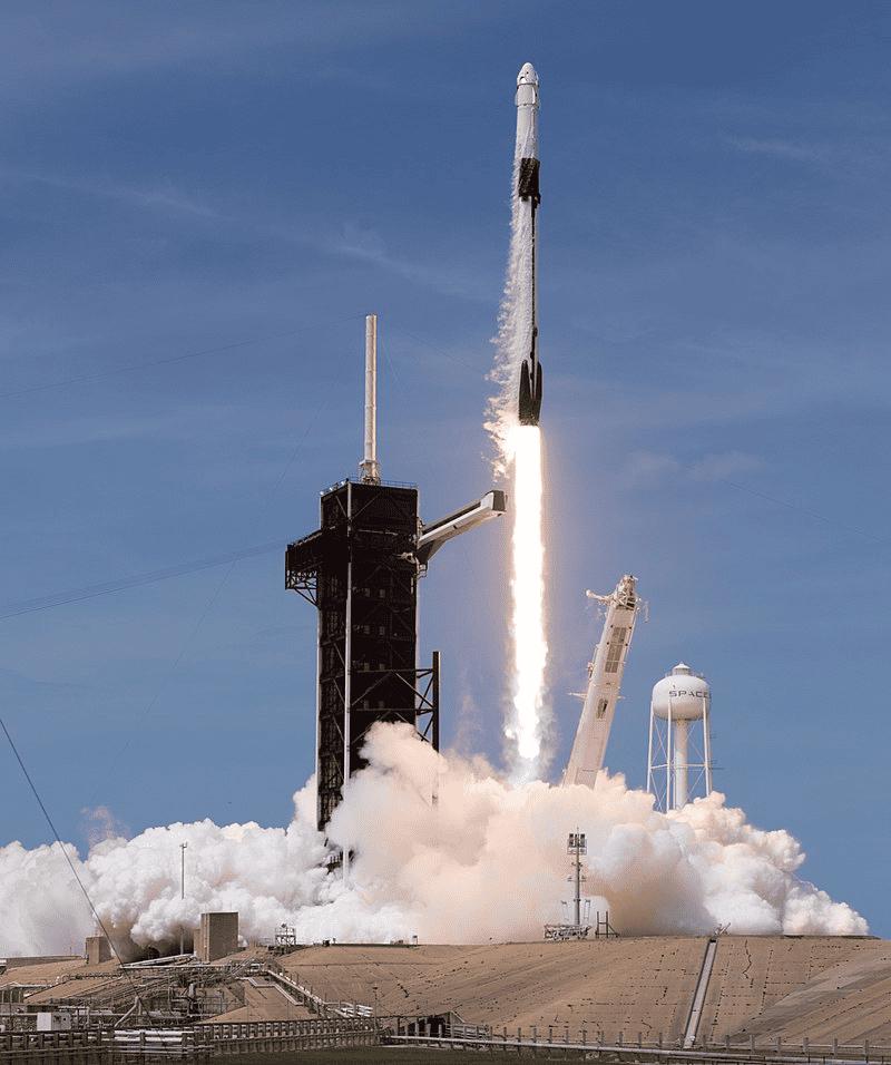 Space-X Falcon-9 rocket launching at Kennedy Space Center - Credits: Joel Kowsky / NASA