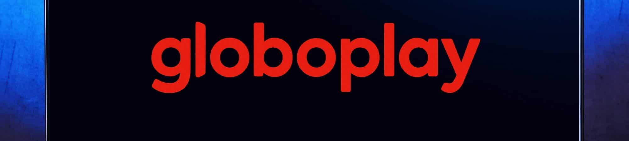 Logo da Globoplay em uma televisão