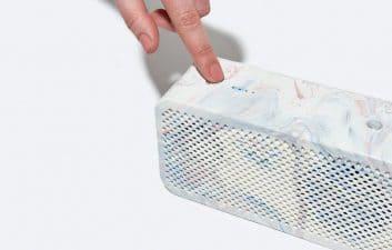 Empresa para reciclar baterías de patinetes eléctricos en altavoces portátiles