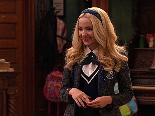 Dove Cameron na série 'Liv and Maddie'. Imagem: Disney/Divulgação