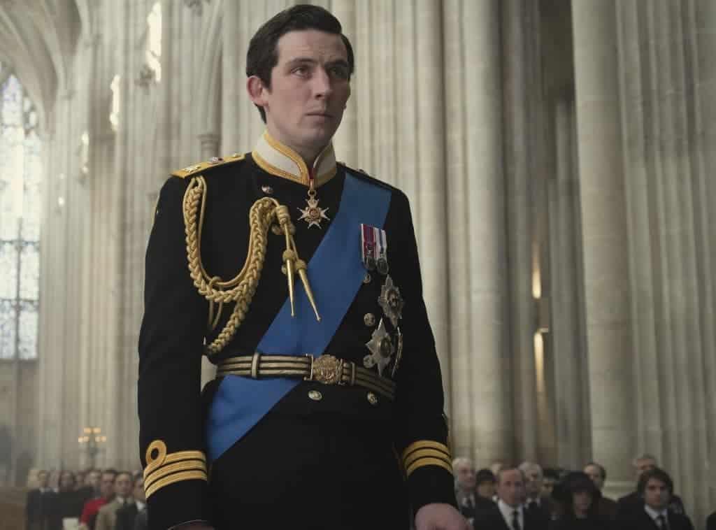 Josh O'Connor como Príncipe Charles em 'The Crown'. Imagem: Alex Bailey/Divulgação