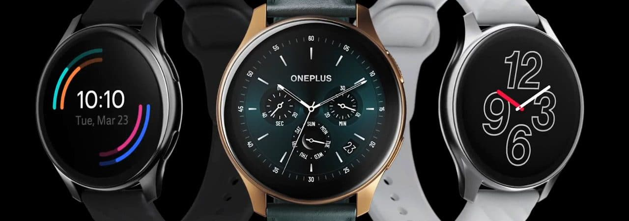 OnePlus Watch and OnePlus Watch Cobalt Edition (center)