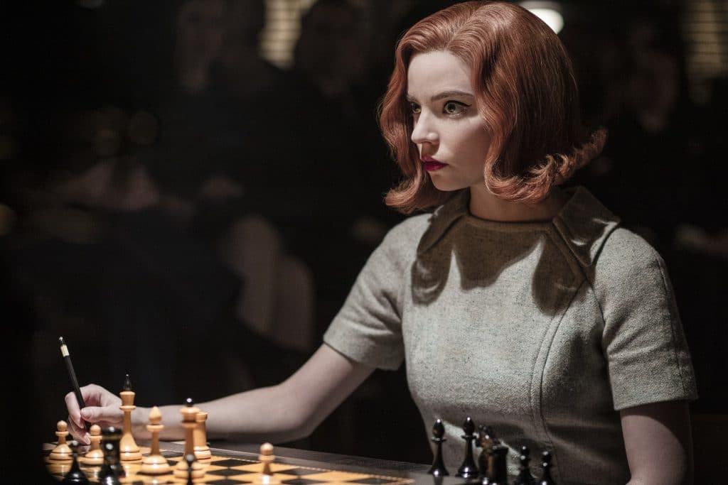 Anya Taylor-Joy em 'O Gambito da Rainha'. Imagem: Phil Bray/Netflix