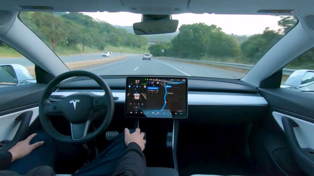 A Tesla usa o software FSD Beta nos veículos autônomos. da Tesla