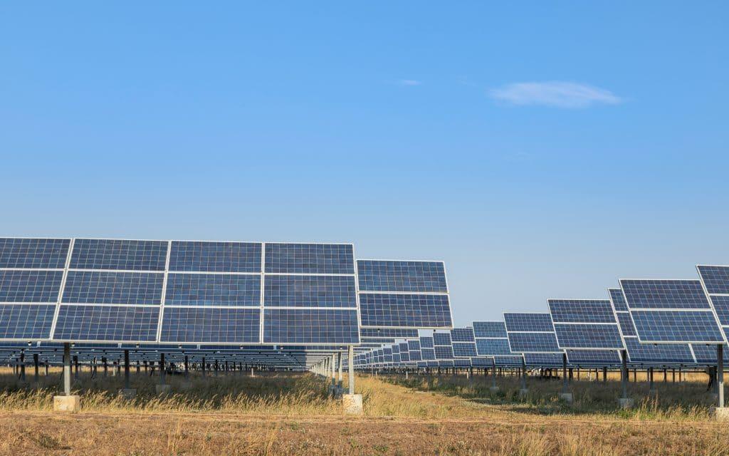 Tim y Enel anuncian la construcción de dos plantas solares. Imagen: Shutterstock