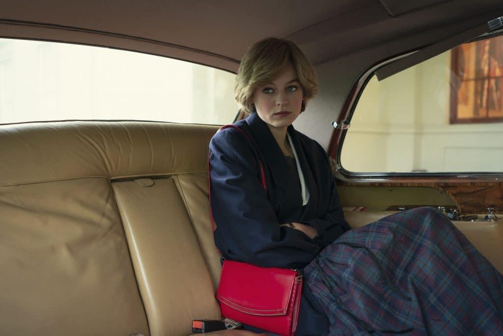 Emma Corrin como a Princesa Diana em 'The Crown'. Imagem: Des Willie/Netflix
