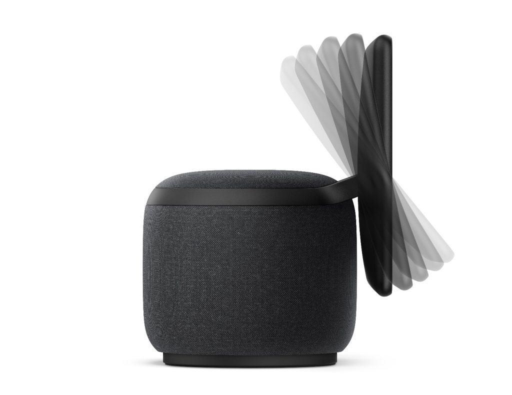 Amazon Echo Show 10 pode movimentar sua tela automaticamente para os lados, e manualmente para cima ou baixo.